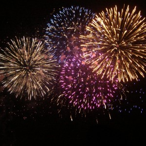 fogos-de-artificio-de-todas-as-cores
